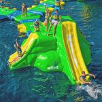 gioco gonfiabile per piscina pubblica