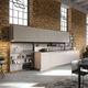 cucina moderna / impiallacciata in legno / in legno laccato / con isola