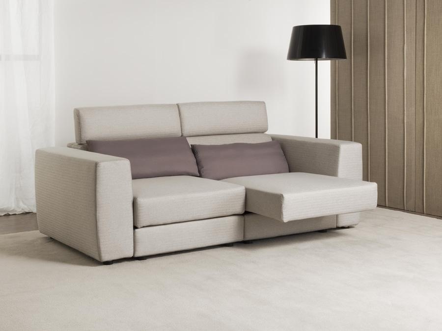 Divano Con Seduta Relax.Divano Relax Divano Con Sedute A Slitta Corso Isonzo 125 20822