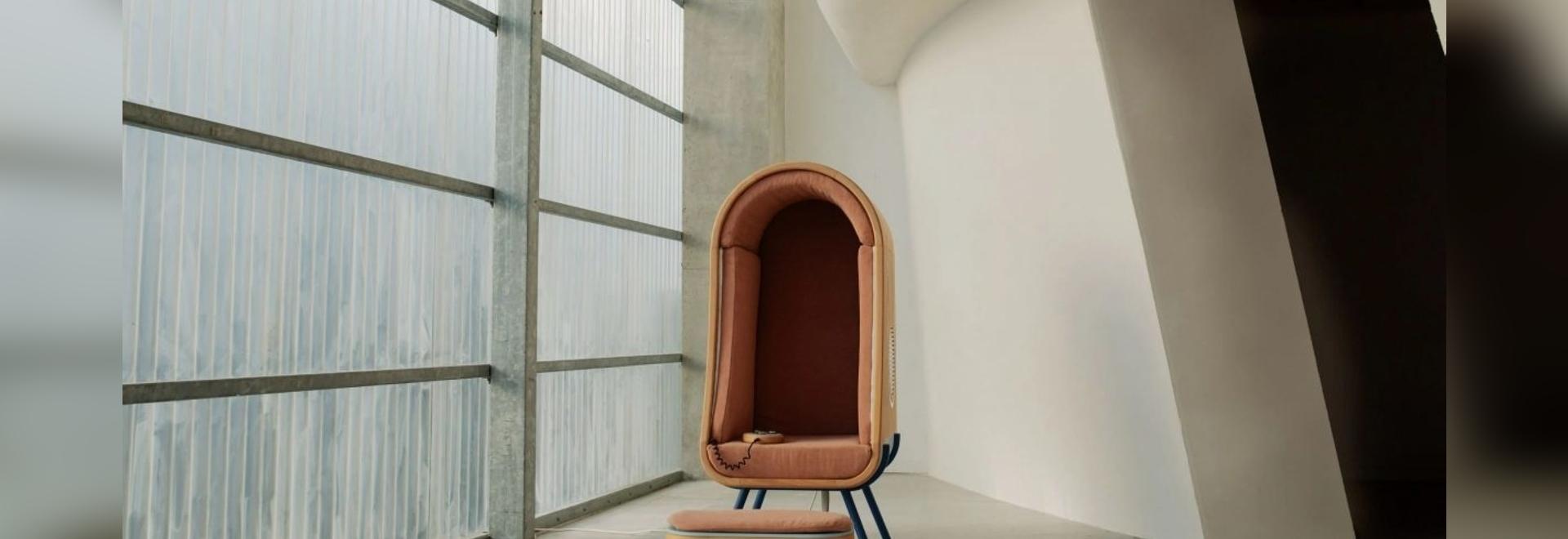 Alexia Audrain progetta una sedia che abbraccia per confortare le persone con autismo