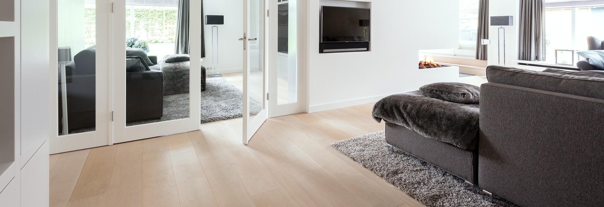 Dennebos ha costruito il pavimento della quercia nel colore W.08