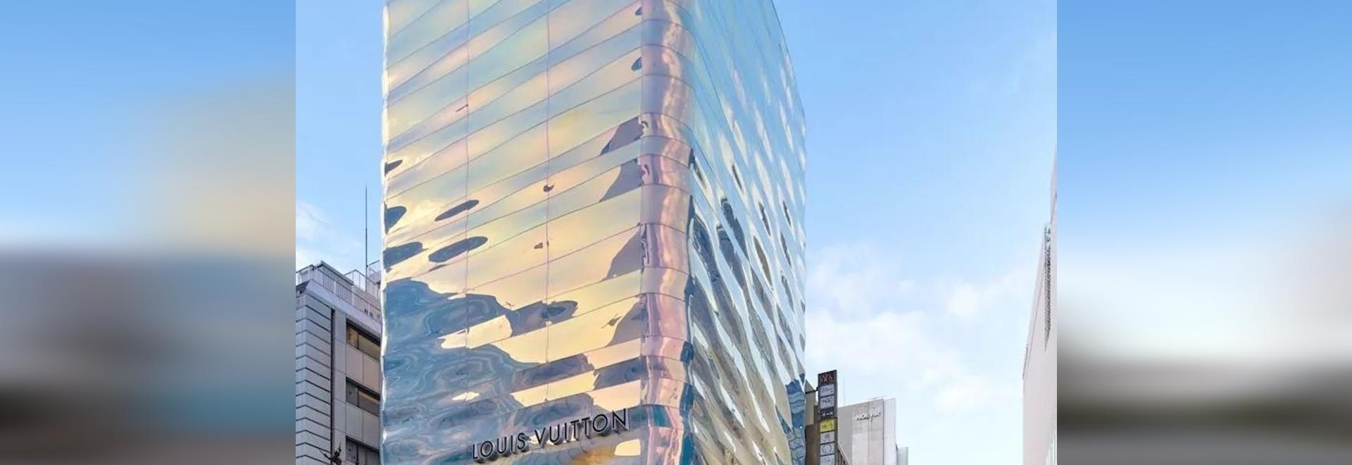 Louis Vuitton Ginza Namiki / AS Co. + Peter Marino Architetto