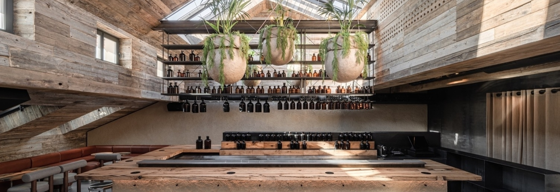 MAD Bars House / Gruppo YOD