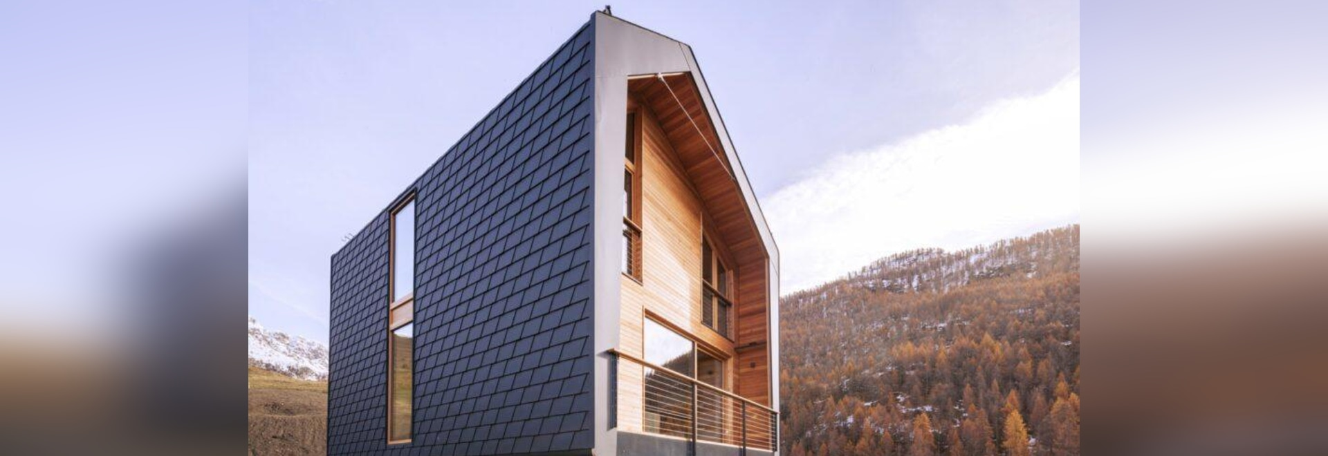 Il moderno rifugio prefabbricato in Italia offre una vista panoramica sulle Alpi