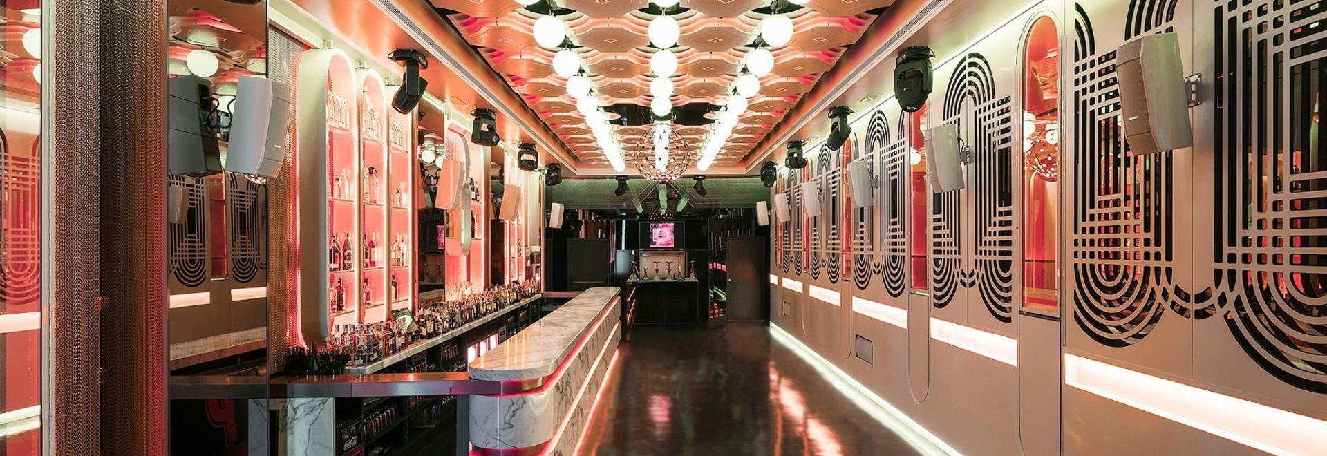paco lago fa riferimento a uno speakeasy degli anni '20 per progettare il club pastrami a malaga