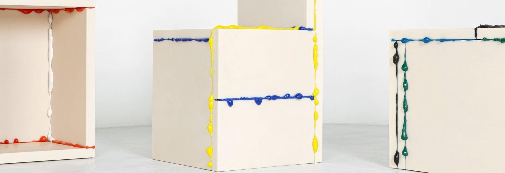 Gli scarti della stampa 3D riciclata trasuda dalla raccolta di mobili monolitici di Donghoon Sohn