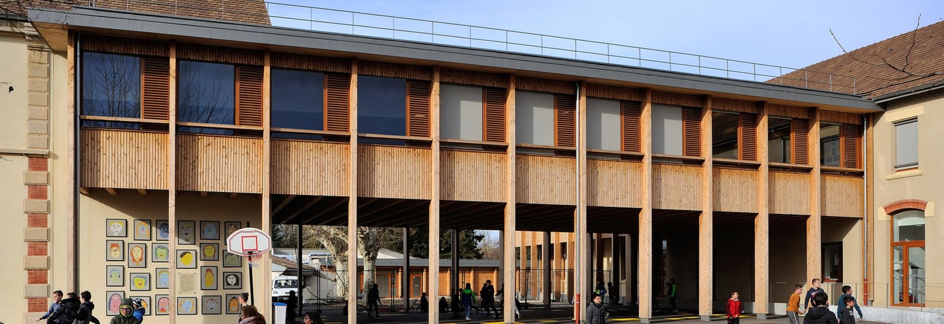 Scuola elementare di Le Grand Lemps France / Brenas Doucerain Architectes