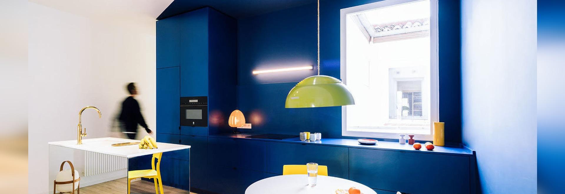 sequenza: Un appartamento di 124 metri quadrati a Madrid pieno di colori primari