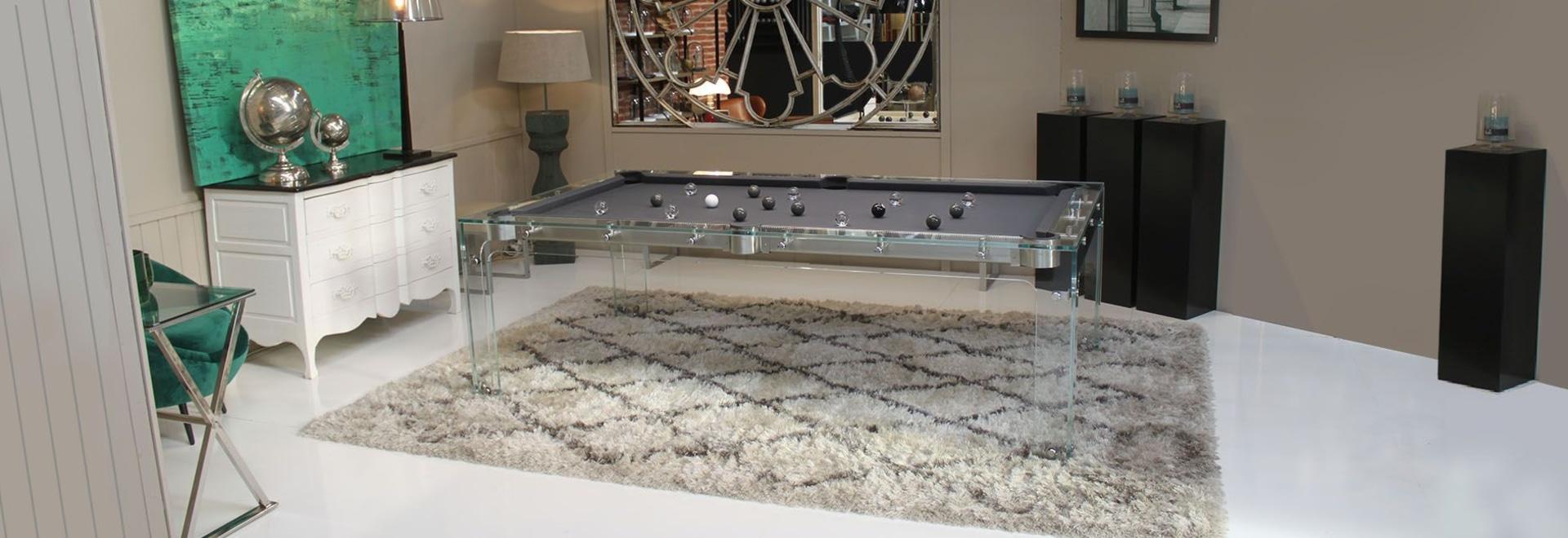 Il tavolo da biliardo di design in vetro : Carat Light