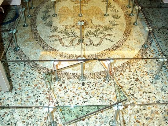 pavimento flottante vetro