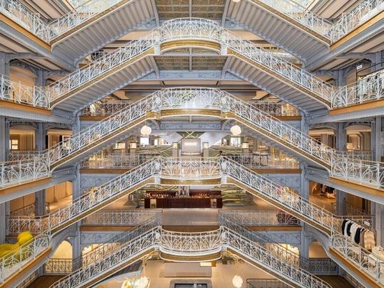 Un atrio pieno di scale è stato conservato