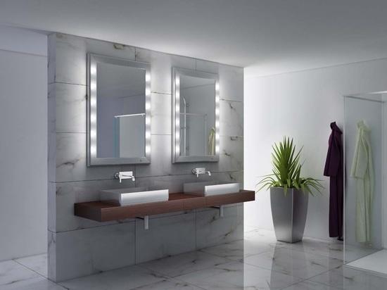 UNICA specchi luminosi per il bagno