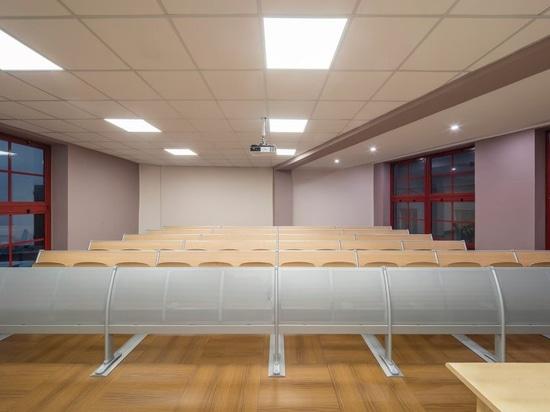 Nuove aule e nuovi laboratori per l'Università di Genova con oltre 1000 banchi-studio Q3000 e ST12