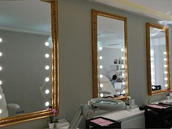 specchi con luci per SPA