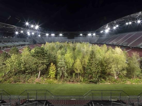 Lo stadio austriaco si trasforma in foresta gigante