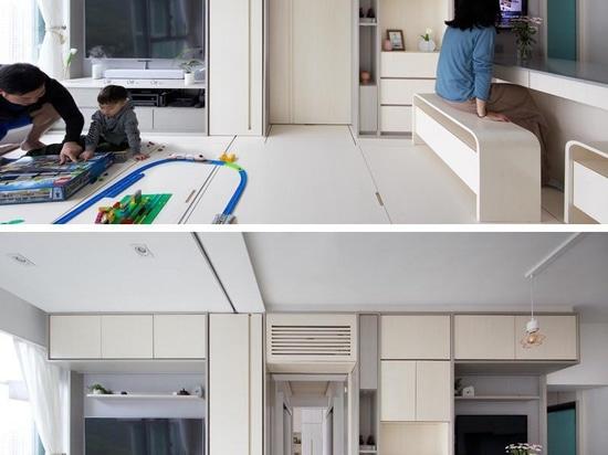 Un piccolo appartamento a Hong Kong fa un uso intelligente dei suoi 492 piedi quadrati