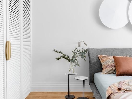 Atelier Prototipi progetta un appartamento per i clienti che vogliono essere ricordati di un clima caldo
