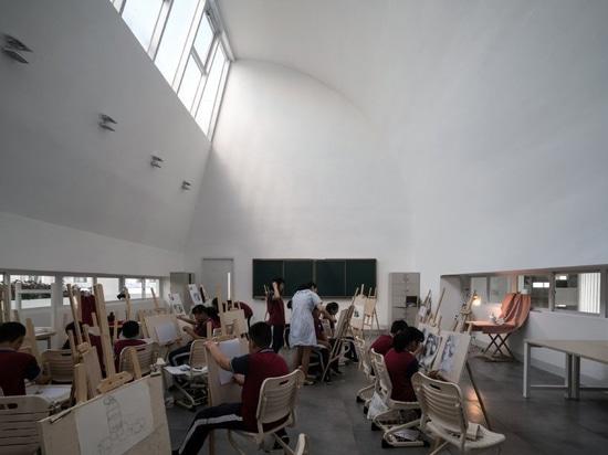 TAO configura la scuola introversa in Cina per celebrare la creatività e l'interazione