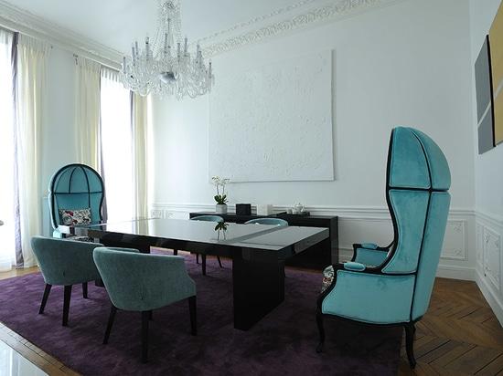 Art Chic Apartment a Parigi ha progettato da progettazione di PFB ed ammobiliato da BRABBU