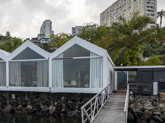 """NR Arquitetura completa gli interni delle ville con il concetto """"Less Is More"""" in Brasile"""