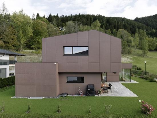 Casa unifamiliare in pelle di cemento