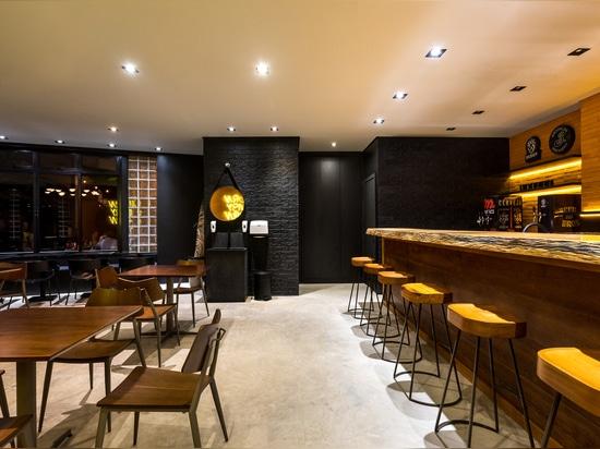 Flame Casual Bar / Giuliano Marchiorato Arquitetos