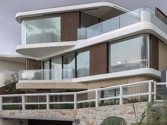 Casa punto di vista del Pacifico / Luigi Rosselli