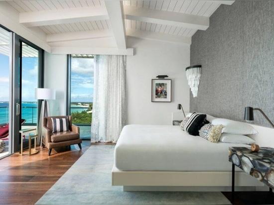 L'hotel ad energia solare sulla Grand Cayman è dotato di illuminazione a misura di tartaruga