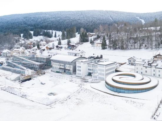 L'estensione a spirale di BIG Audemars Piguet si erge dal paesaggio svizzero