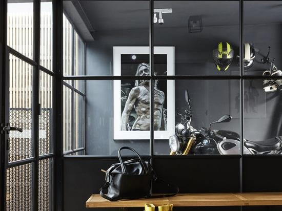 Uno sguardo nella casa di ispirazione industriale di Massimo Buster Minale a Stoccolma
