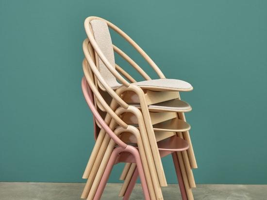 La collezione di sedie del Grande Slam di TON vince il premio