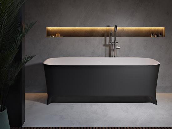 Vasca da bagno autoportante in bianco e nero