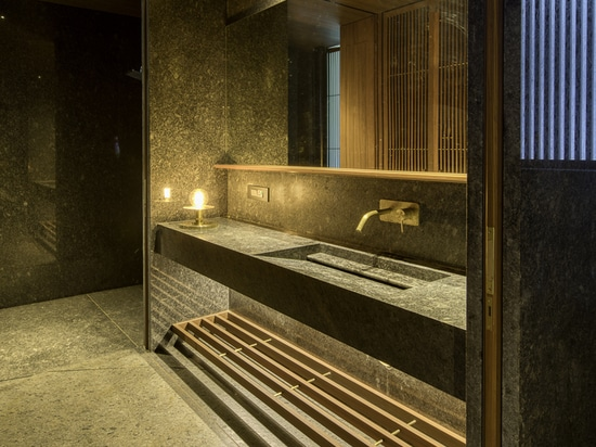 Casa Parikrama / SPASM Design Architects