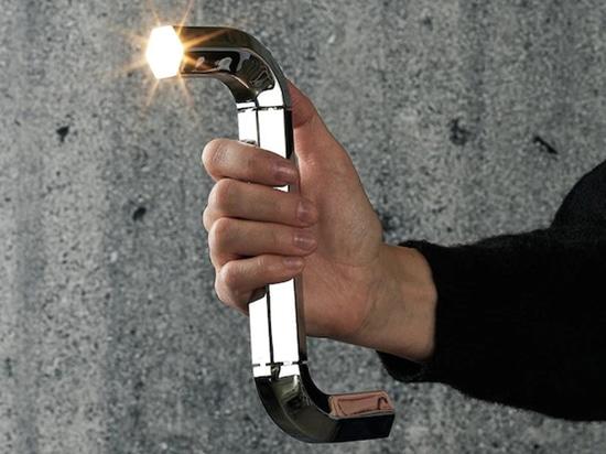 Lampada con chiave a brugola di Gelchop.